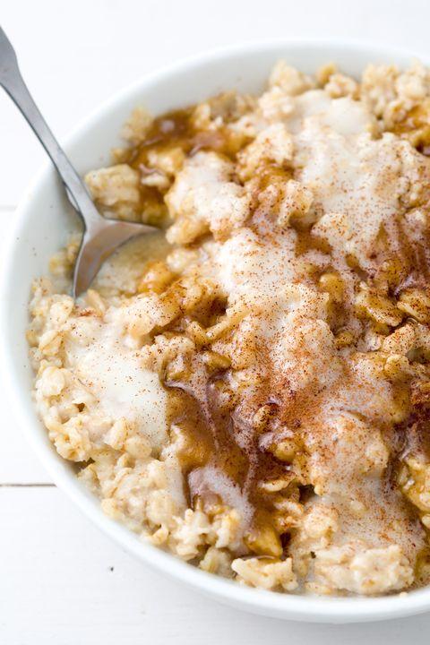 delish-oatmeal-cinnamon-roll