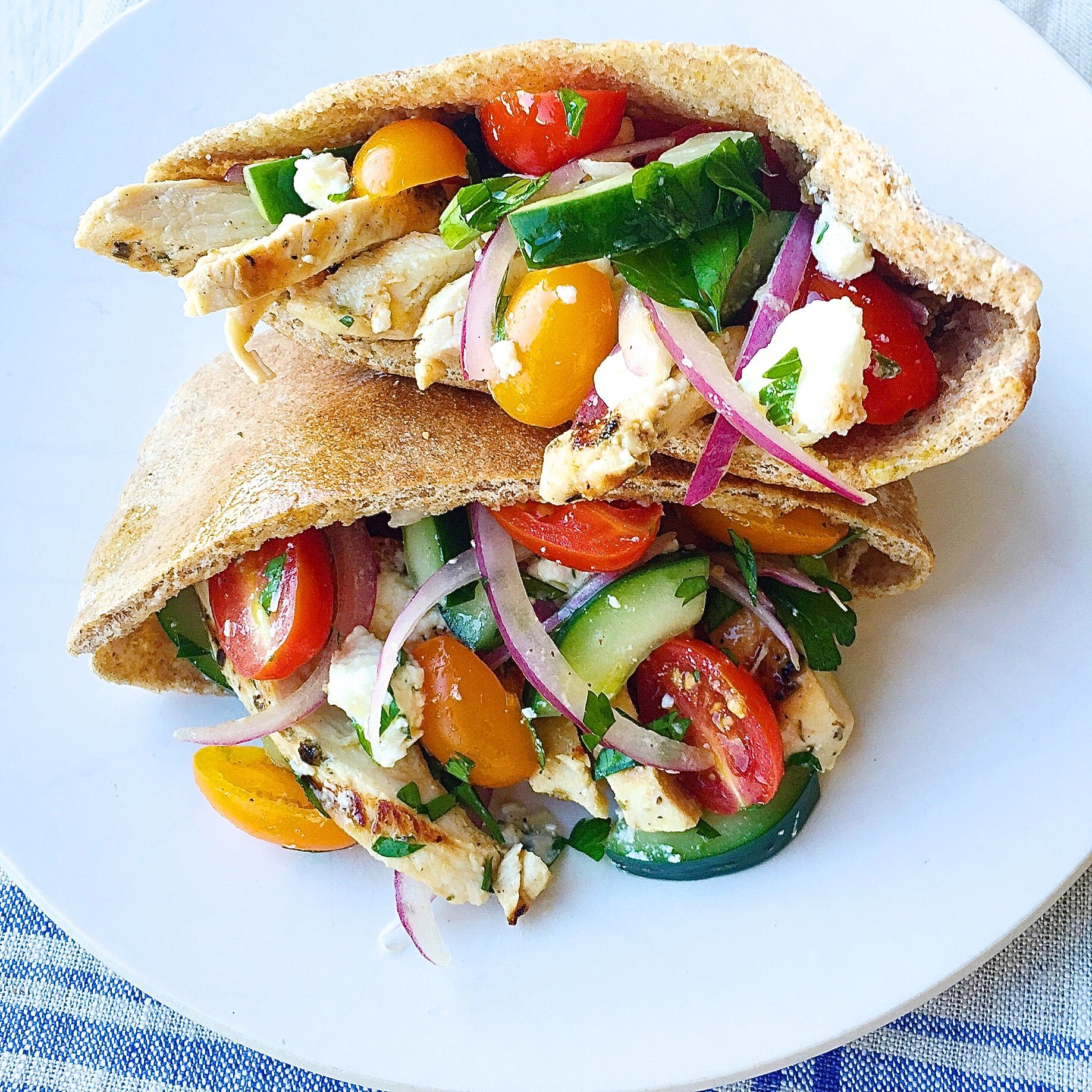 Best Greek Salad Pita Pockets With Grilled Chicken Recipe How To Make Greek Salad Pita Pockets With Grilled Chicken Delish Com