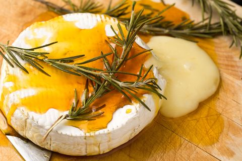 Ingredient, Food, Dishware, Produce, Serveware, Dill, Delicacy, Cheese, Garnish,