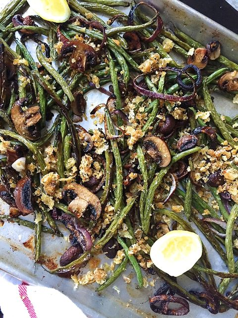 Roasted Green Beans, Mushroom, and Onions with Parmesan Breadcrumbs