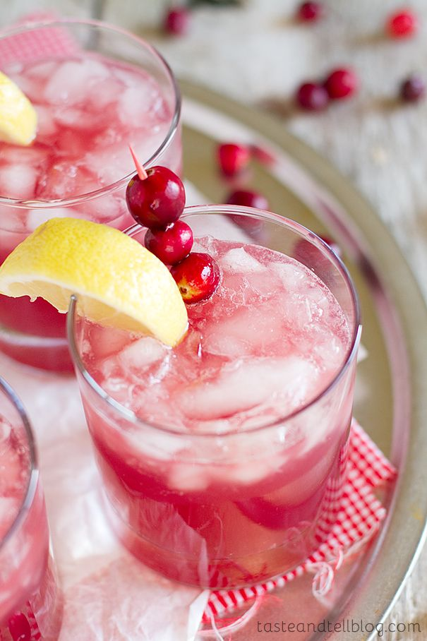 10 christmas punch recipes holiday party punch with alcohol delishcom - Christmas Punch Ideas