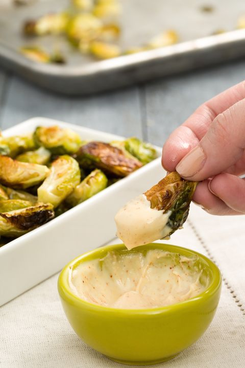 delish-brussels-sprouts-aioli