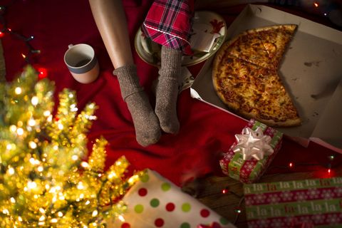 Is Pizza Hut Open On Christmas.Pizza Hut Offering Triple Threat Box For Stressful Holiday
