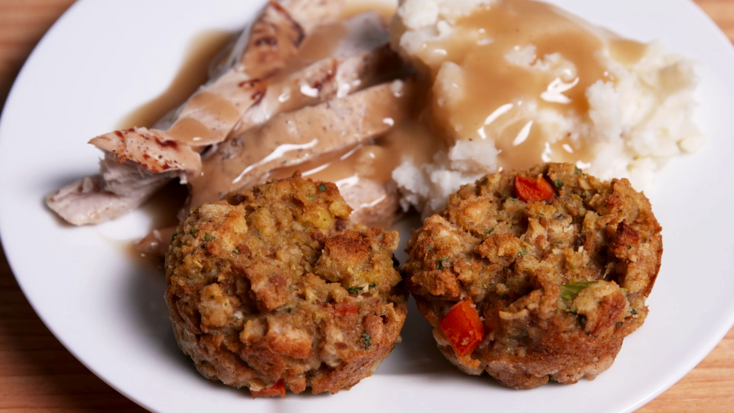 How to make crispier stuffing thanksgiving food hacks delish forumfinder Images
