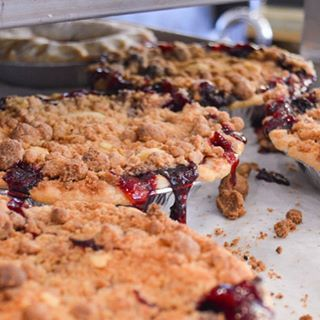 Achatz Handmade Pie Co. - Crumb Michigan 4-Berry Pie