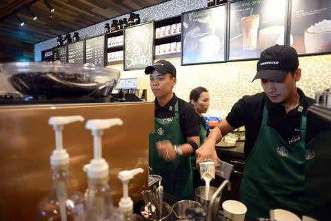 Cap, Hat, Barware, Baseball cap, Drinkware, Bottle, Customer, Serveware, Restaurant, Fast food restaurant,
