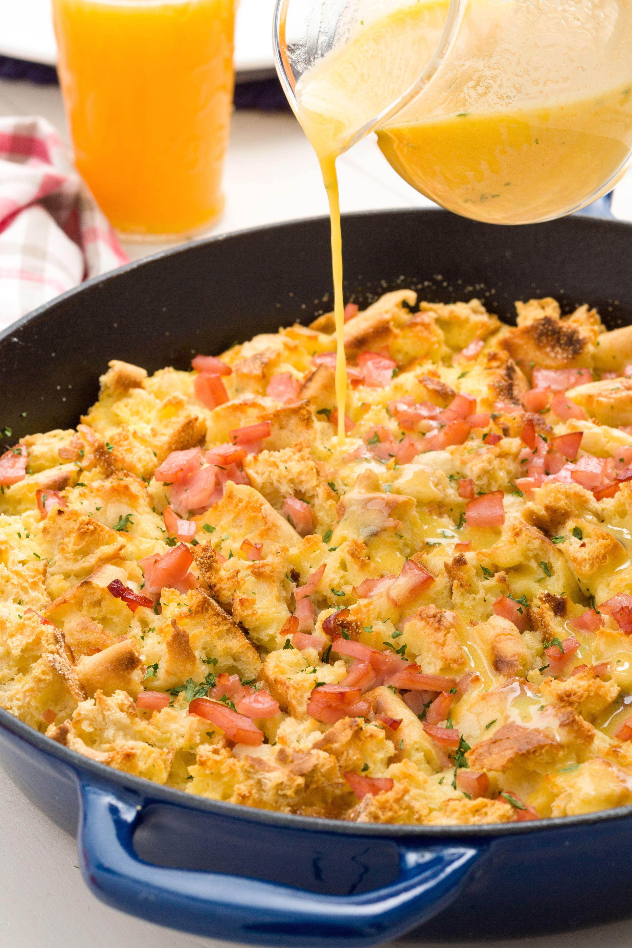 100 easy egg recipes best ways to cook eggs for dinner delish forumfinder Images