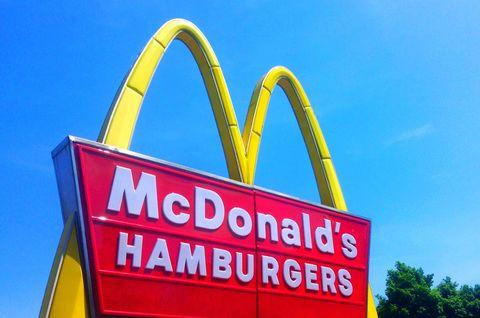 Red, Font, Signage, Restaurant, Fast food restaurant, Majorelle blue, Gas, Sign, Neon,