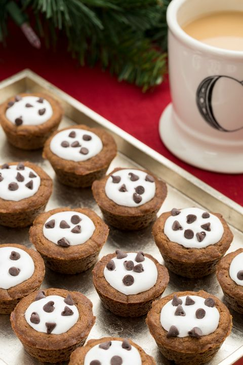 Gingerbread S'mores Cookie Cups