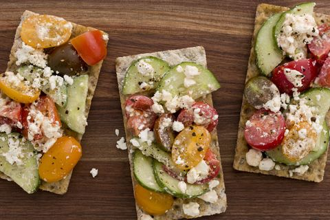 delish-tomato-feta-pizzas