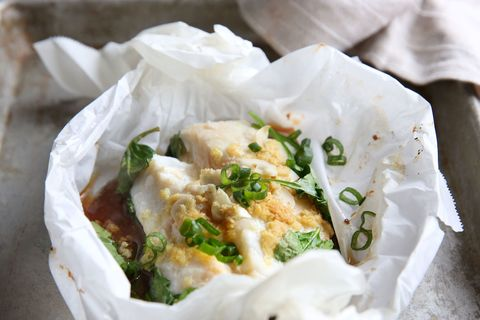 Steamed Ginger Garlic Cod in Parchment with Spinach