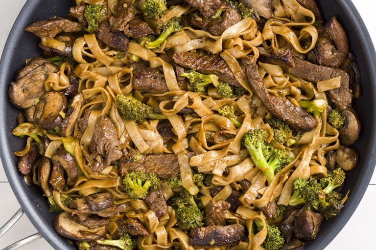 Best skinny beef broccoli noodles recipe how to make skinny beef ethan calabrese forumfinder Images