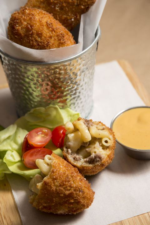 Mac and cheeseburger croquettes
