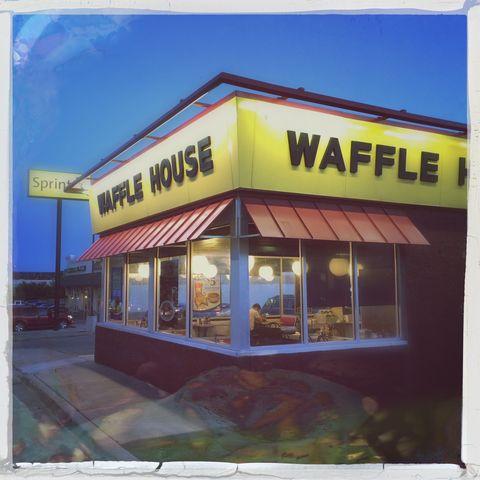 Rectangle, Signage, Advertising, Restaurant, Fast food restaurant, Square,