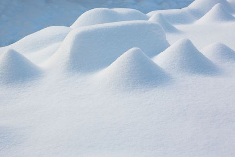 Blue, Daytime, Natural environment, Atmosphere, Photograph, Atmospheric phenomenon, White, Landscape, Winter, Slope,