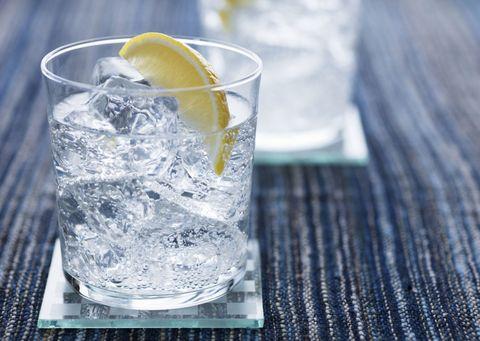 Fluid, Liquid, Glass, Drinkware, Tableware, Lemon, Drink, Ice, Highball glass, Citrus,