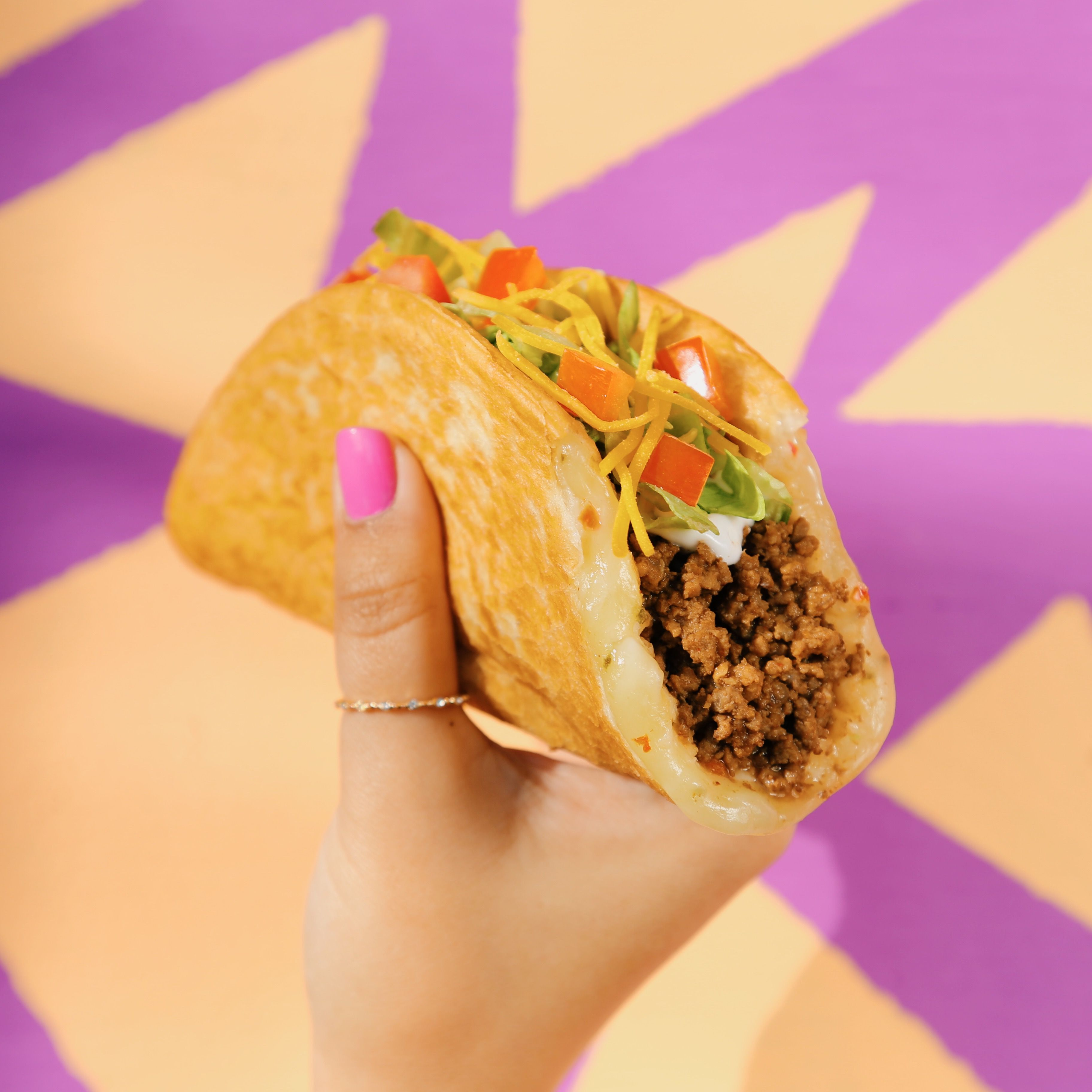 Taco Bell Christmas Hours.Taco Bell Releases New Quesalupa Cheesy Taco Shells