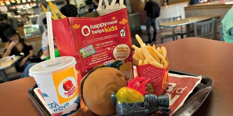 Fast food, Junk food, Food, Kids' meal, Ingredient, Cuisine, Dish, Snack, Take-out food, Meal,