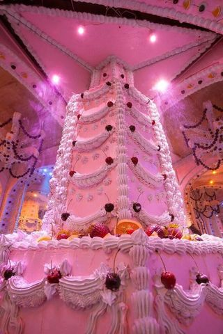 This Castle Made Out Of Cake Is Basically Candy Land Come
