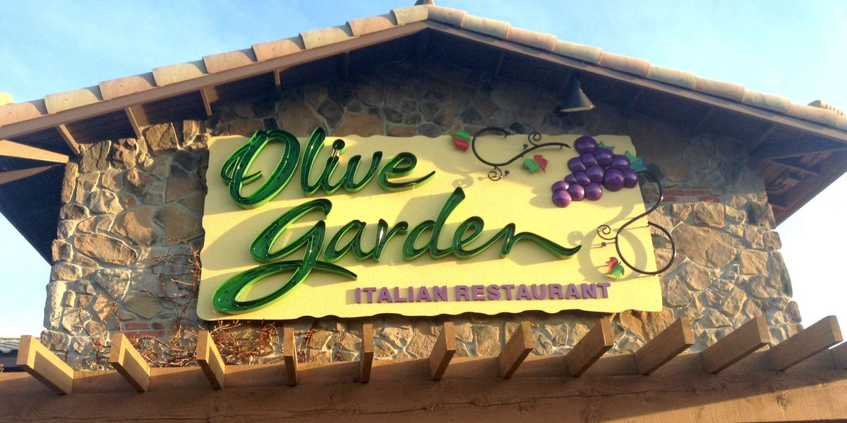 Things you need to know before eating at olive garden for Is olive garden open on thanksgiving