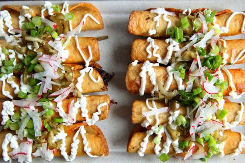 Slow Cooker Thai Red Curry Taquitos Recipe