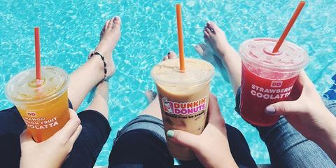 Hand, Drink, Drinkware, Food, Drinking straw, Nail, Fast food, Non-alcoholic beverage, Thumb, Cup,