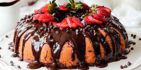 Dish, Food, Cuisine, Dessert, Ingredient, Gugelhupf, Glaze, Baked goods, Frozen dessert, Cake,