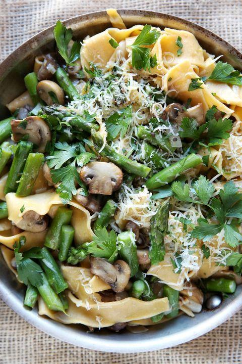 Spring Asparagus and Mushroom Papardelle Recipe