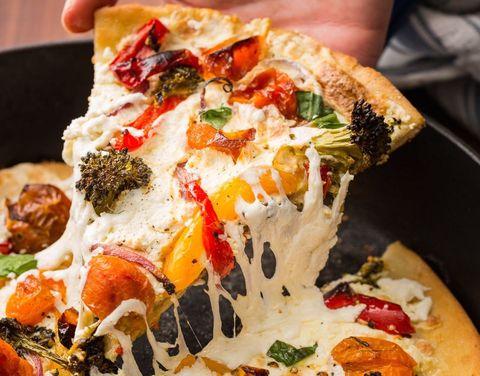 skillet-primavera-pizza