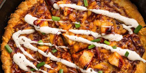 delish-skillet-pizza-bbq