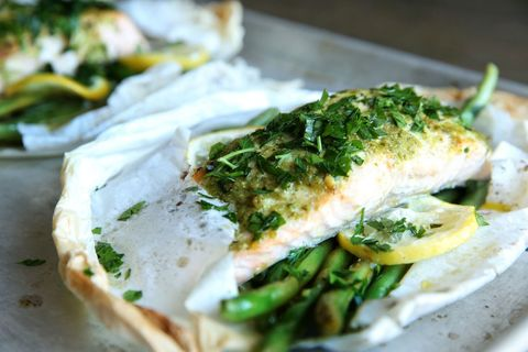 Pesto Salmon Packets with Green Beans Recipe