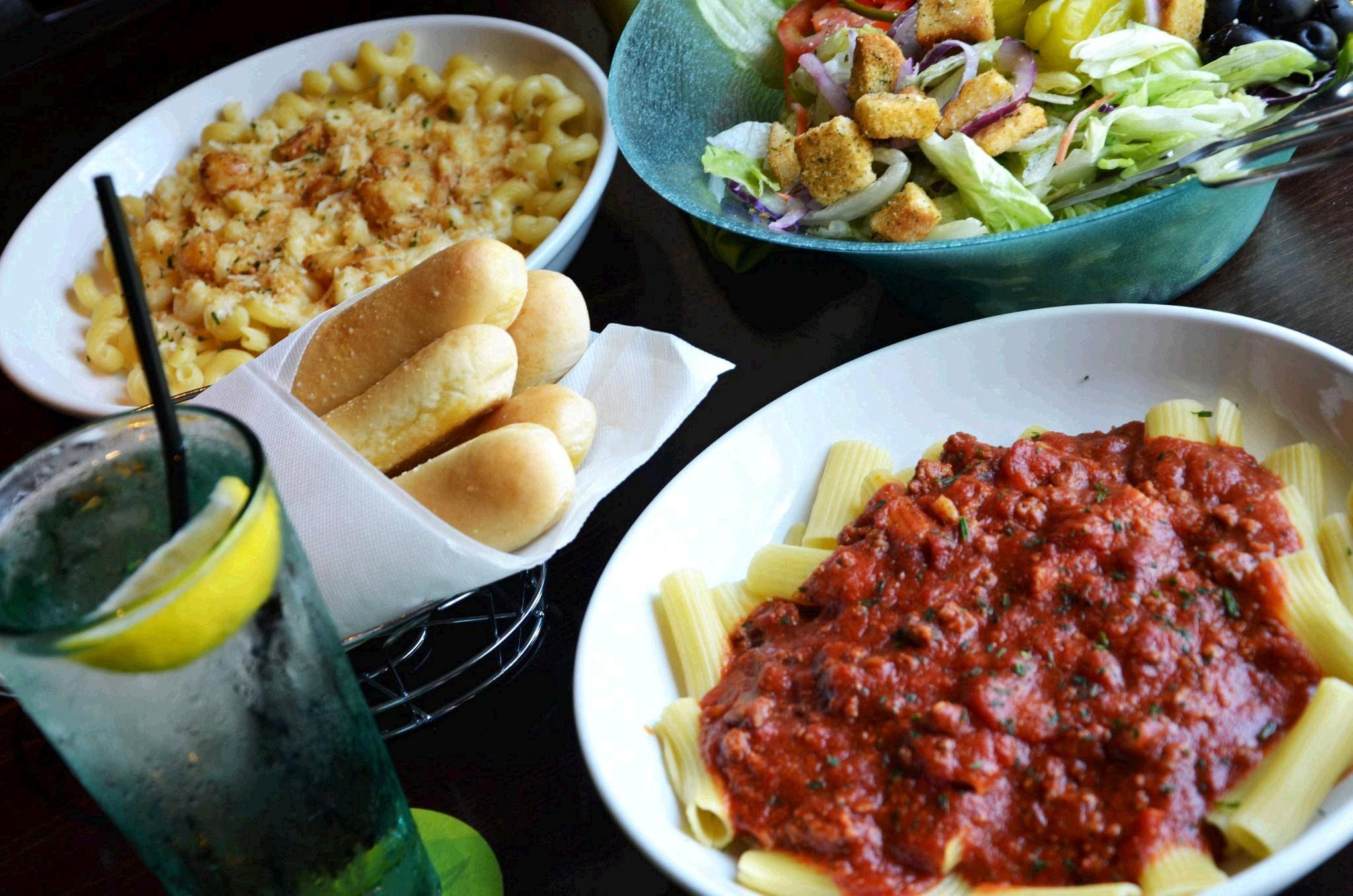 Olive Garden S Veterans Day 2020 Deal Is Free Pasta And Breadsticks