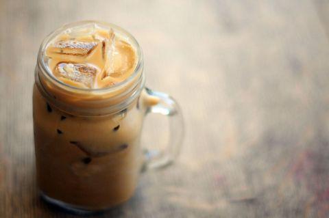 Brown, Drinkware, Drink, Ingredient, Mason jar, Beige, Lid, Serveware, Canning, Peach,