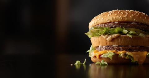 Food, Finger food, Cuisine, Ingredient, Sandwich, Dish, Produce, Bun, Leaf vegetable, Hamburger,