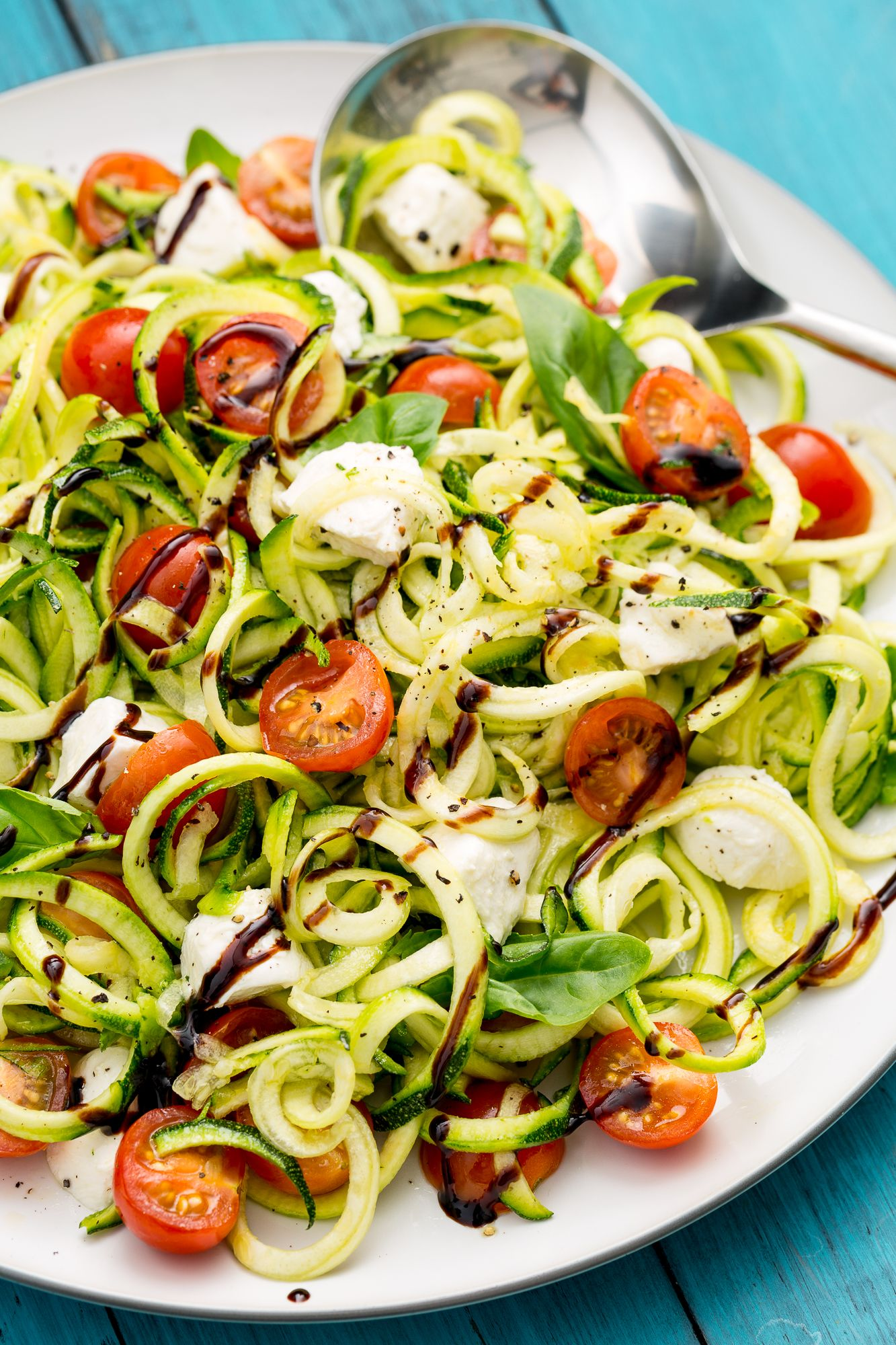 Simple and tasty summer salads on the holiday table 89