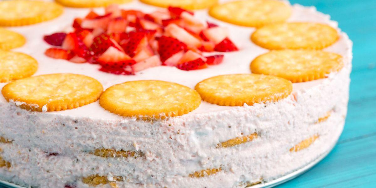 labor day dessert recipe ideas Strawberry Ritz Cake