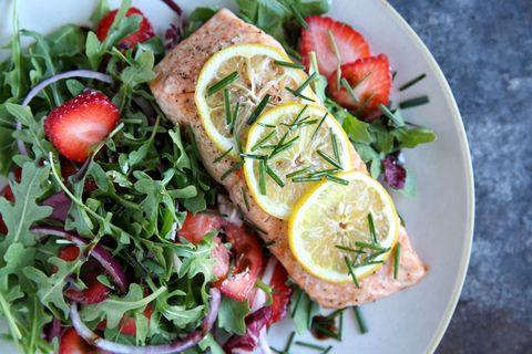 roasted salmon with strawberry arugula salad recipe