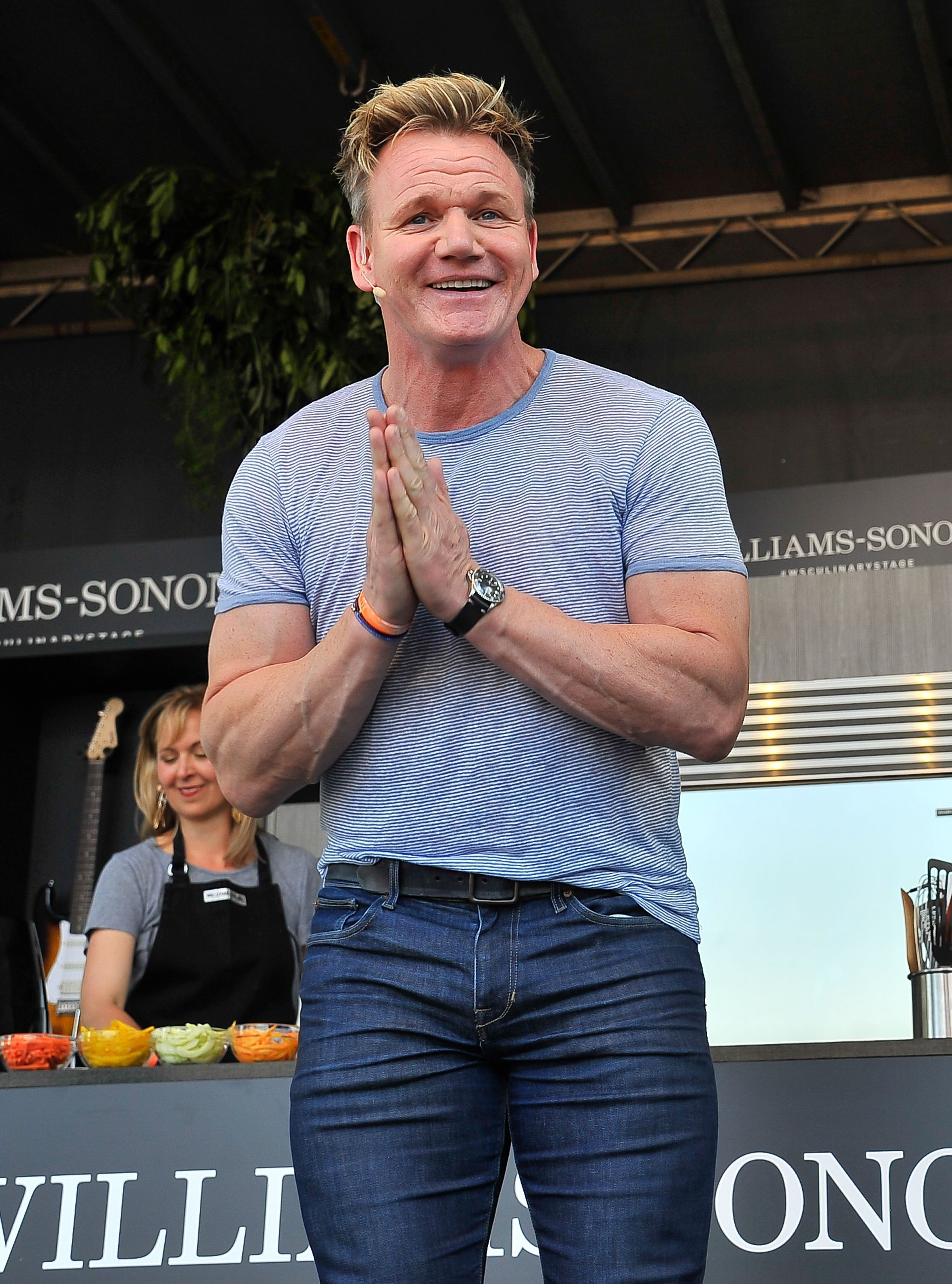 Gordon Ramsay Is Roasting Fans\' Cooking On Twitter And It\'s Hilarious