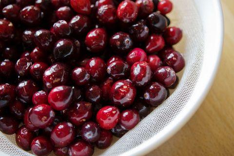 Food, Natural foods, Fruit, Produce, Dishware, Ingredient, Serveware, Berry, Frutti di bosco, Sweetness,