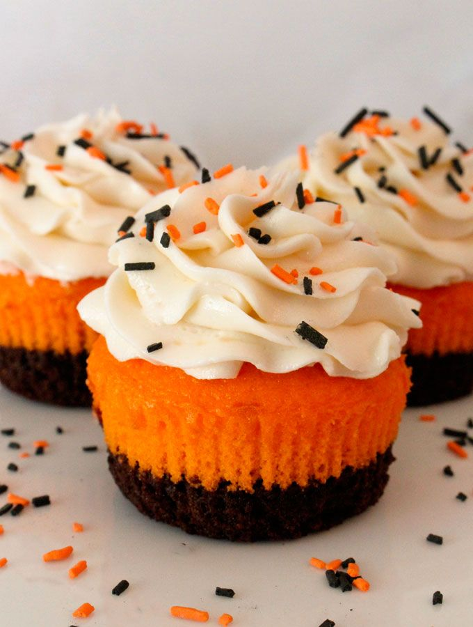 10 easy halloween cupcake ideas recipes decorating tips for halloween cupcakesdelishcom