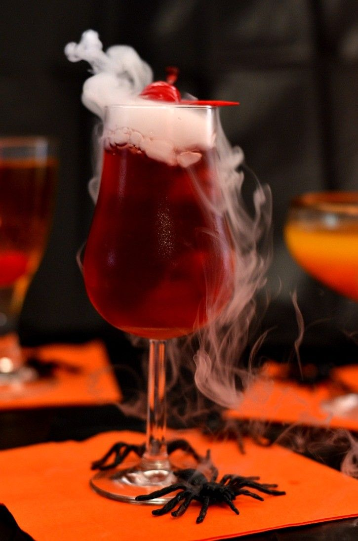 24 Easy Dry Ice Drinks - Cocktails with Dry Ice for Halloween