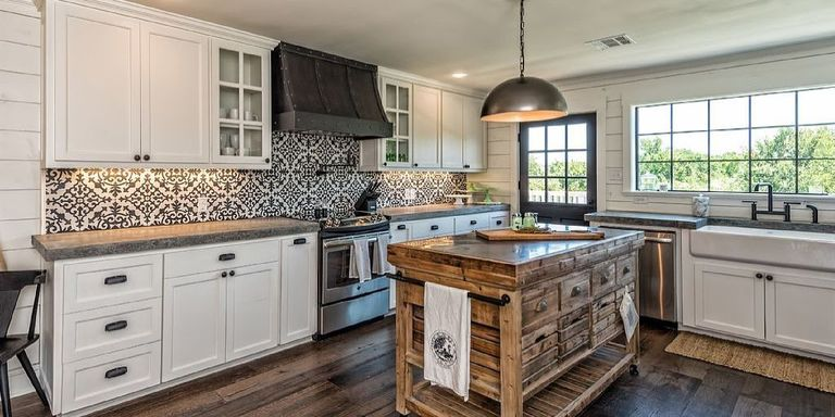You can rent these gorgeous fixer upper kitchens and for Chip and joanna gaines farmhouse address