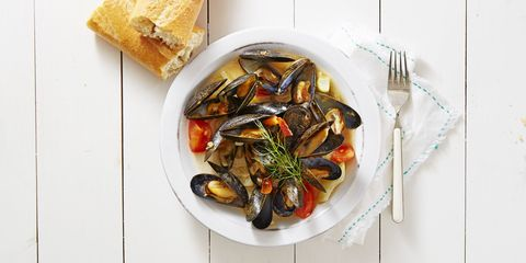 Food, Ingredient, Tableware, Bivalve, Seafood, Dishware, Cuisine, Produce, Kitchen utensil, Clam,