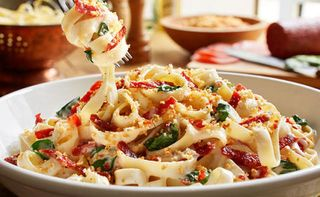 Olive Garden 39 S Now Selling Pepperoni Alfredo