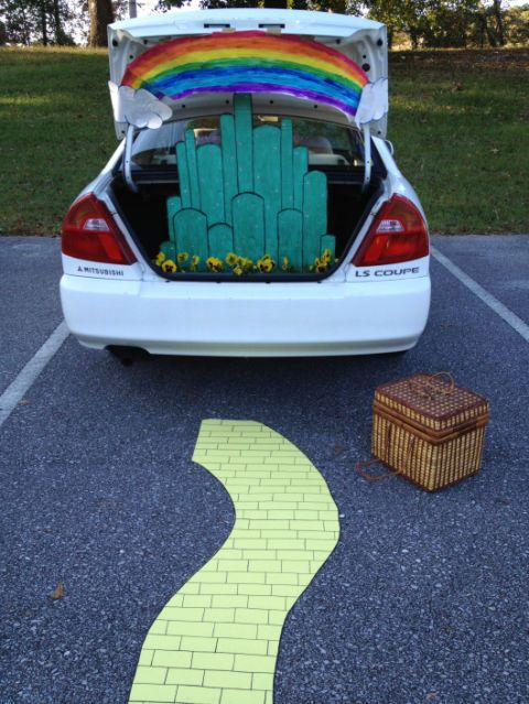 45 Best Trunk Or Treat Decorations How To Decorate Your Car