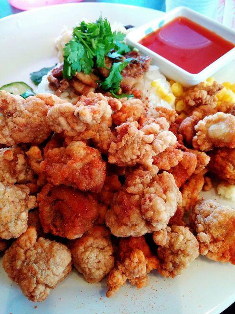 Food, Cuisine, Fried food, Dish, Ingredient, Dishware, Serveware, Recipe, Finger food, Tableware,
