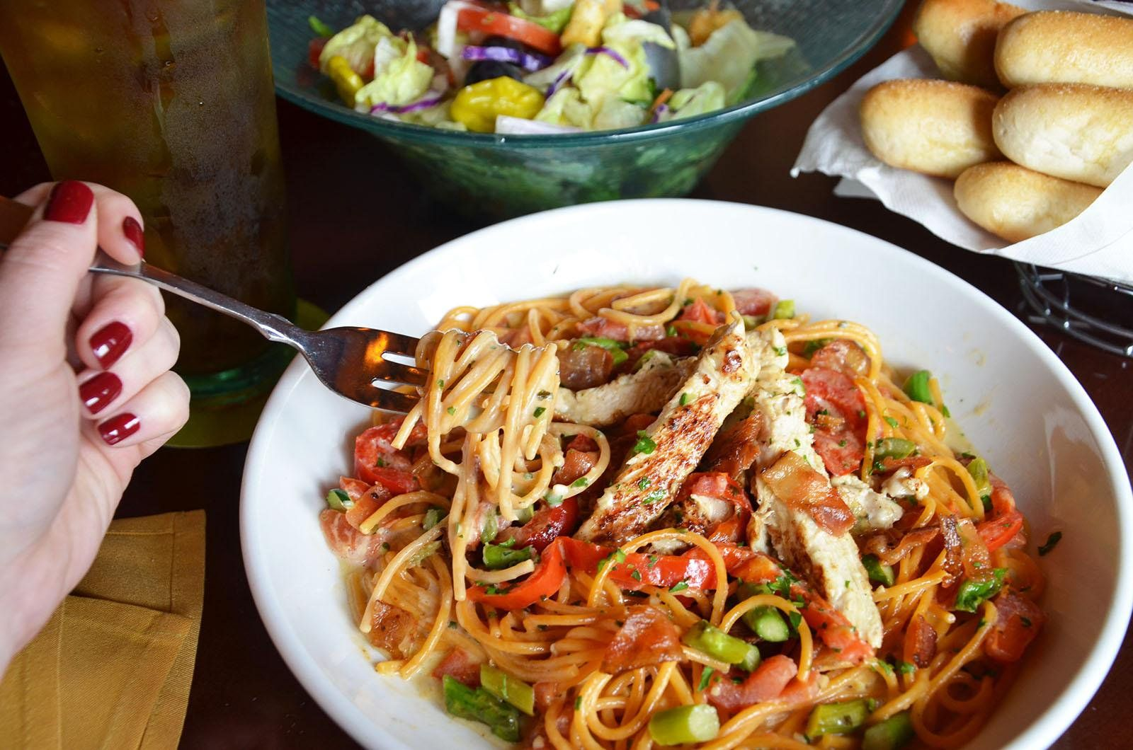 9 Ordering Hacks You Need To Try At Olive Garden