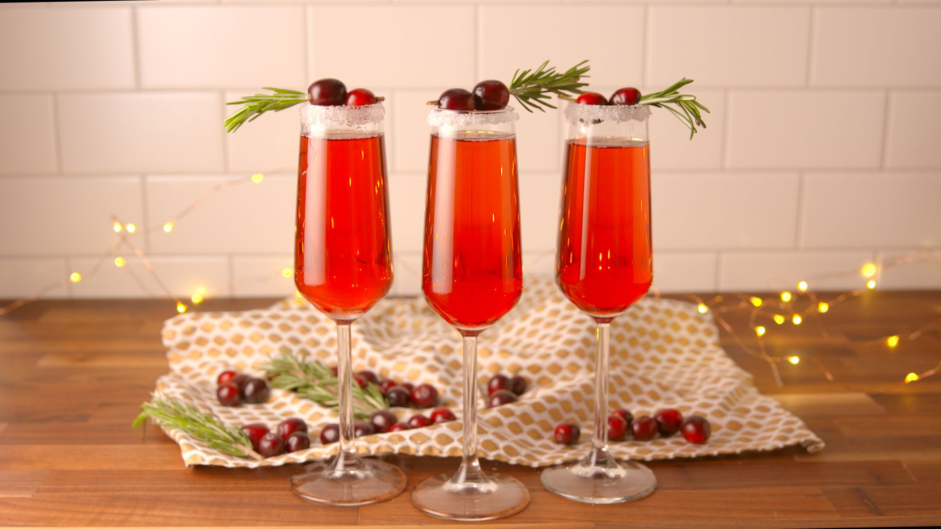 20 Cranberry Juice Tails Recipes For Drinks With Delish