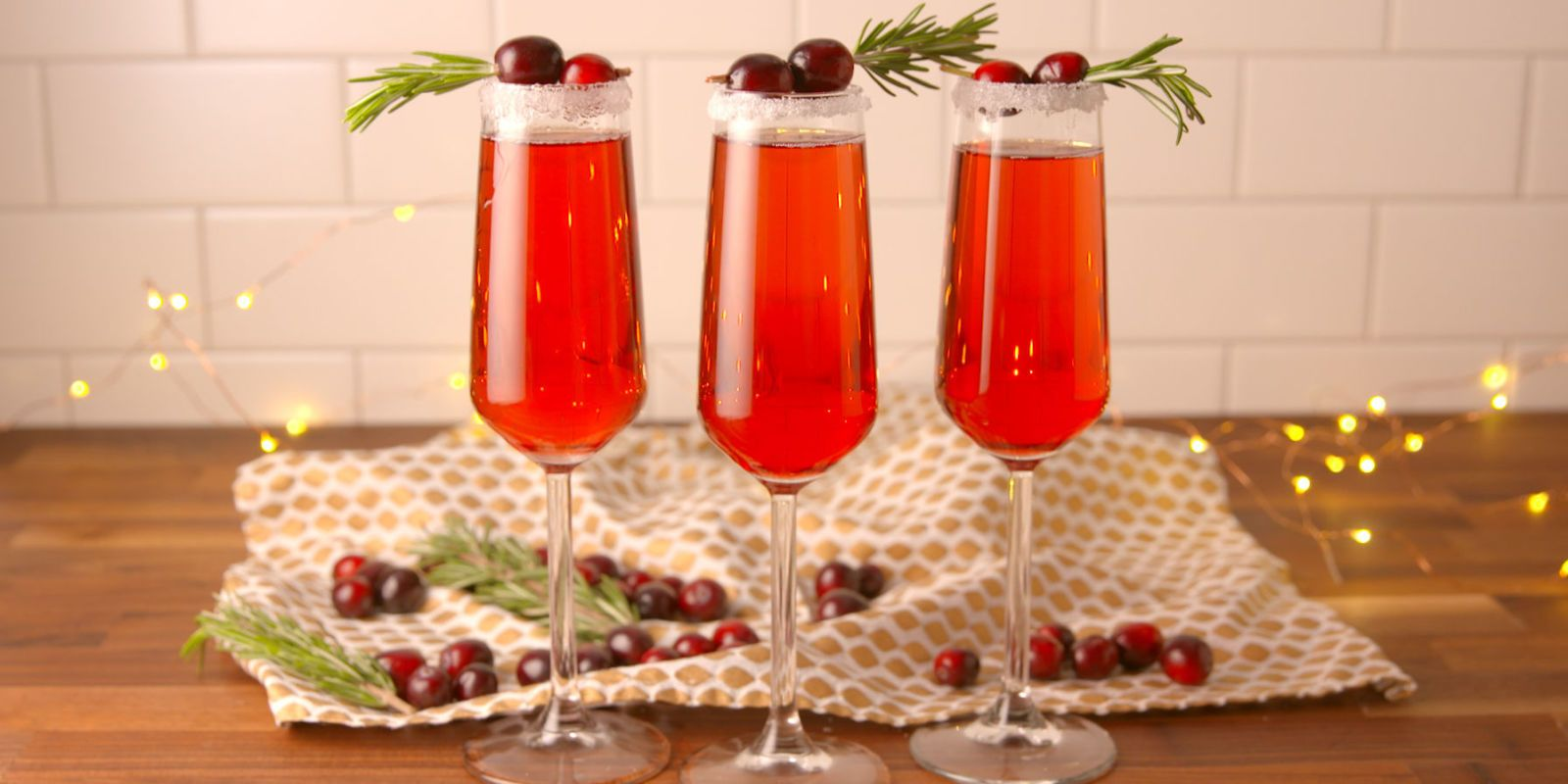 36 Festive Thanksgiving Cocktails To Liven Up The Table