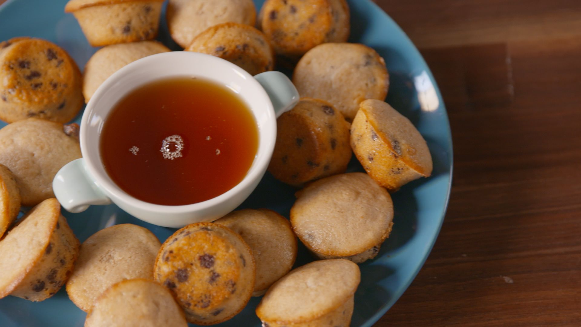 Baking pancake poppers video pancake poppers recipe how to video ccuart Images